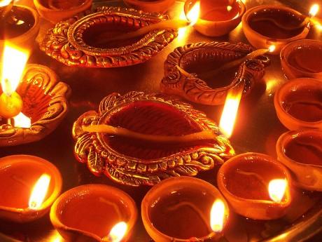 diya 460x345 El Diwali y el poder de la luz