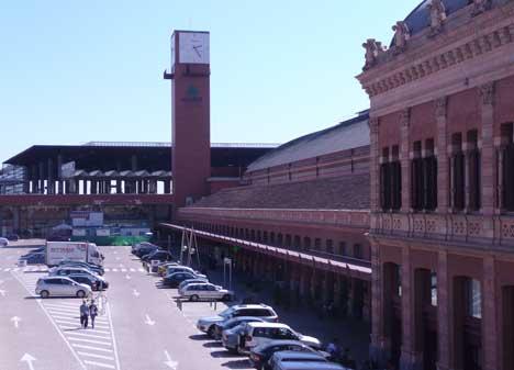 estacion ferrocarril tren metro atocha madrid Estación de Atocha en Madrid