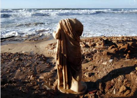 estatua 460x331 Una estatua nacida del mar