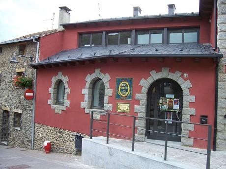 farmaciallivia 460x345 La farmacia Esteve, una de las más antiguas de Europa