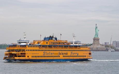 ferry 460x289 ¿Cómo llegar a la Estatua de la Libertad?