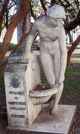 fuente3 276x460 La Fuente de la Doncella, una mujer catalana en Buenos Aires