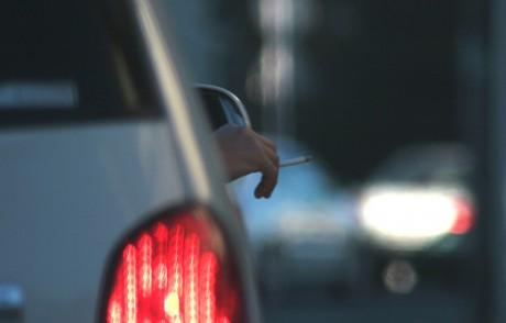 fumar 460x294 ¿Cómo afecta el tabaco a la conducción?
