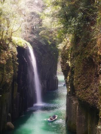 garganta 345x460 Garganta de Takachiho, paseo bello en Japón