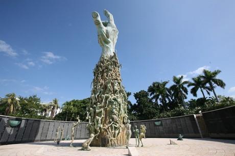 holocausto miami 460x306 Monumento al Holocausto en Miami Beach