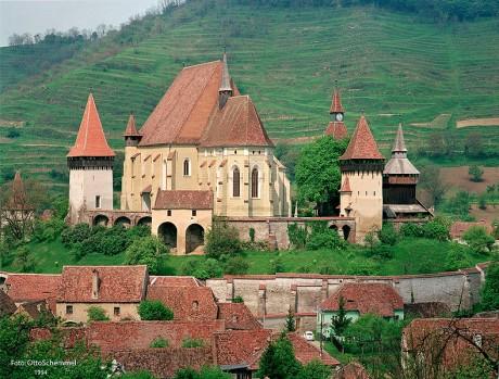 iglesia 460x349 Iglesias fortificadas en Transilvania