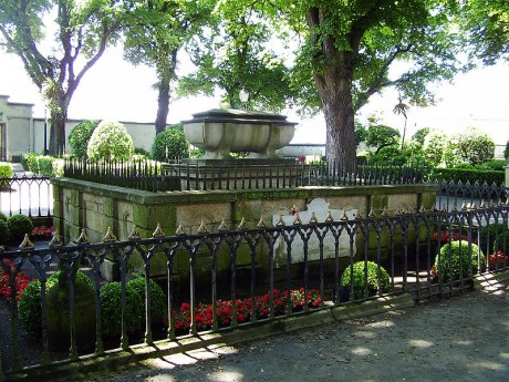 La tumba de sir john moore en el jard n de san carlosblog for Jardin 81 san carlos
