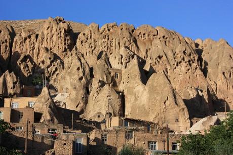 kandovan 460x306 Kandovan, un pueblo de piedra en Irán