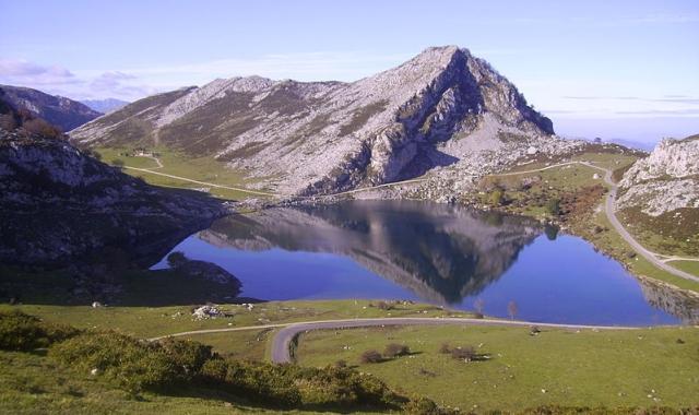 lagos covadonga Ascendiendo a los Lagos de Covadonga
