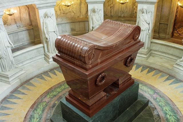 los invalidos paris Donde duerme Napoleón
