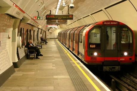 metro 460x307 ¿Cuál es la historia del metro?