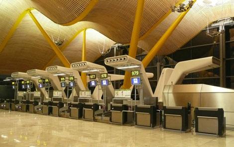 mostradores facturacion t4 Seguridad en los aeropuertos