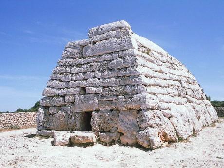 naveta 460x345 Conoce Ciutadella de Menorca