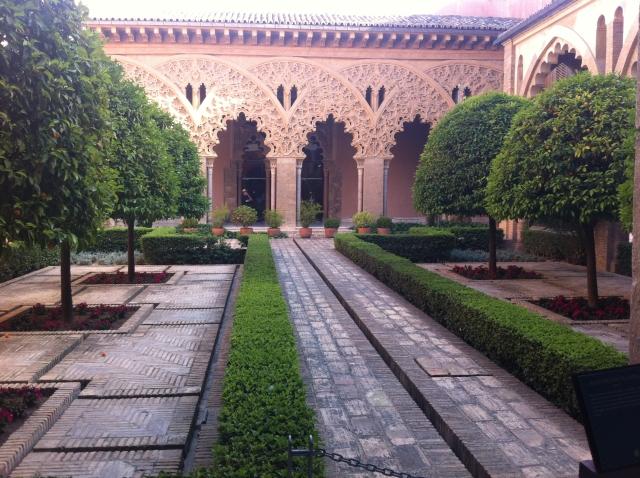 palacio alfajeria El Palacio de la Aljafería en Zaragoza