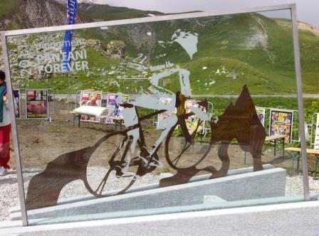 pantani El Giro de Italia corona el Galibier en homenaje a Pantani