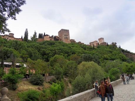 paseodelostristes 460x345 El Paseo de los Tristes, con vistas a la Alhambra