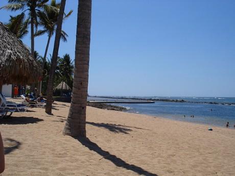 playa Salinitas 460x345 Playa Salinitas, paraíso en El Salvador