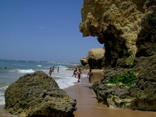 playa gale albufeira portugal En Albufeira teneis la Praia de Galé