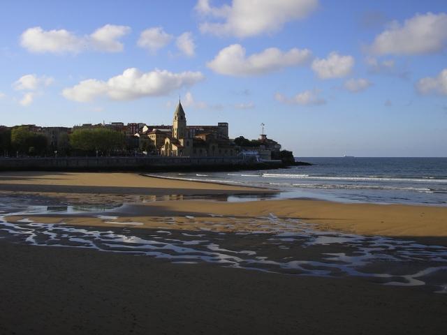 playa san lorenzo La playa de San Lorenzo