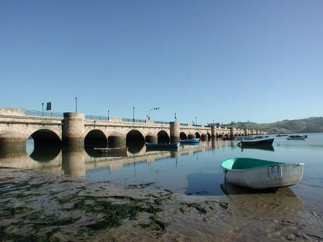 puente 460x345 El encanto de San Vicente de la Barquera
