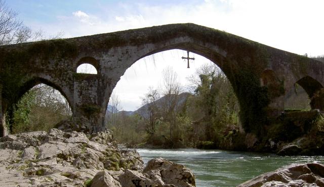 puente romano sella El puente romano sobre el Sella