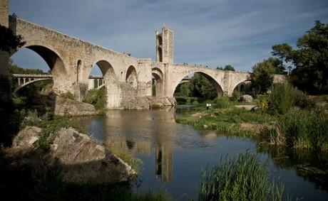 puente2 460x283 Conoce el puente románico de Besalú