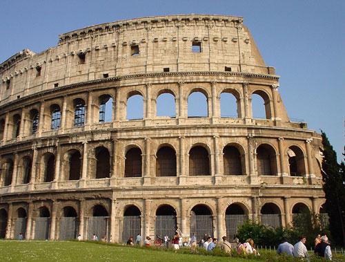 roma coliseo romano Cuidado con algunos taxis en Italia