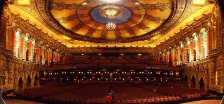 teatrofox 460x214 La opulencia del teatro Fox en Detroit