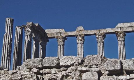 temploromano 460x276 El Templo Romano de Évora, en honor a César Augusto