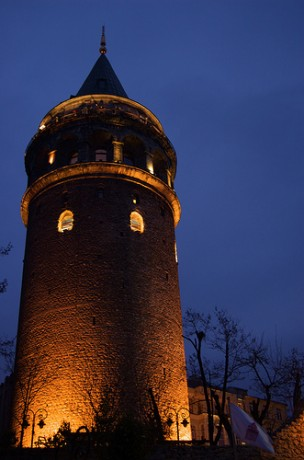 torre de galata 304x460 La centenaria Torre de Gálata