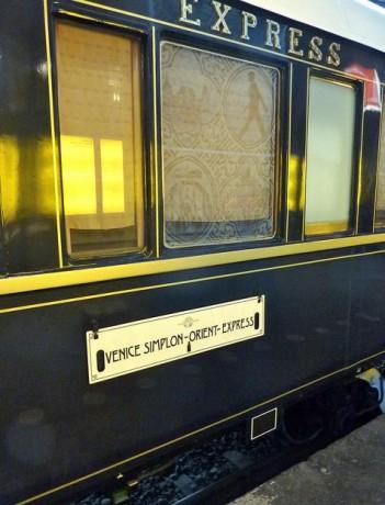 tren 351x460 Viaje de lujo en el Orient Express